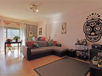Apartment T2 / Amadora, Casal de São Brás