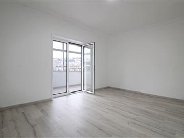 Apartment T2 / Coimbra, Solum