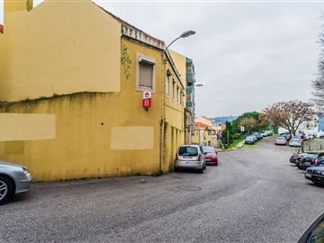 Apartment T2 / Lisboa, Campolide