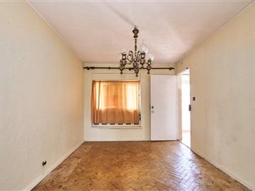 Apartment T2 / Lisboa, Marvila
