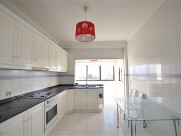 Apartment T2 / Oliveira do Bairro, Oiã