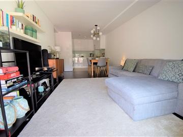 Apartment T2 / Porto, Costa Cabral