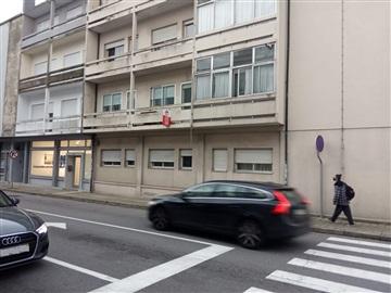 Apartment T2 / Porto, Metro do Marquês