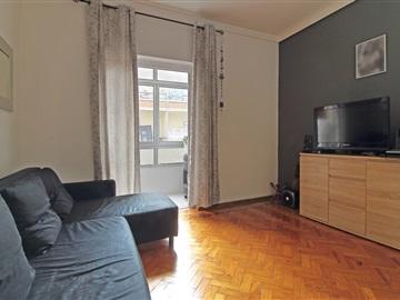 Apartment T2 / Seixal, Torre da Marinha