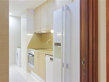 Apartment T2 / Vila Nova de Gaia, Mafamude