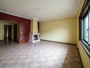 Apartment T2 / Vila Nova de Gaia, Sandim, Olival, Lever e Crestuma