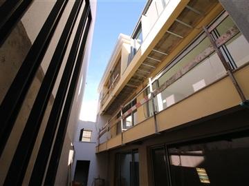 Apartment T3 / Almada, Almada, Cova da Piedade, Pragal e Cacilhas