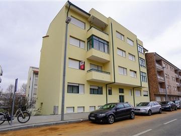 Apartment T3 / Bragança, Sé, Santa Maria e Meixedo