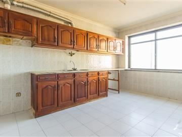 Apartment T3 / Guarda, Guarda