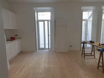 Apartment T3 / Lisboa, Alto Sto Amaro