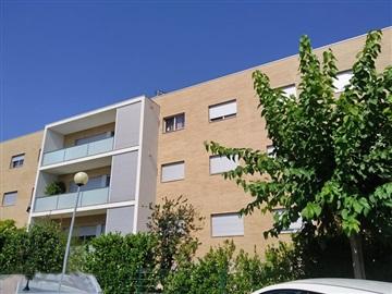 Apartment T3 / Marco de Canaveses, Constance