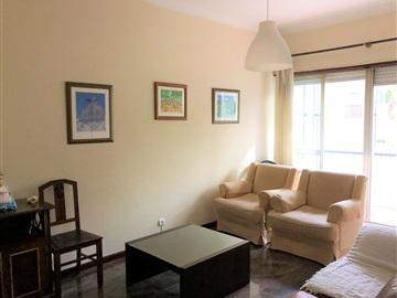 Apartment T3 / Oeiras, Centro de Carnaxide