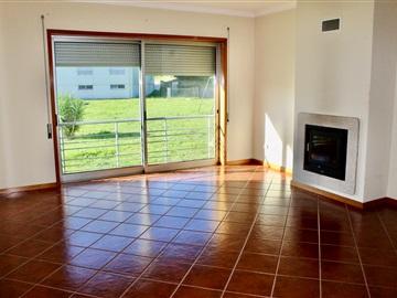 Apartment T3 / Paredes, Paredes