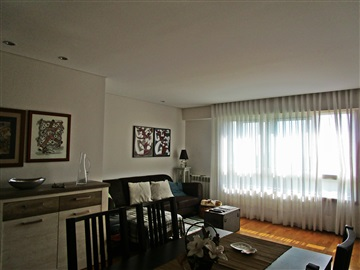 Apartment T3 / Porto, Marechal G. Costa