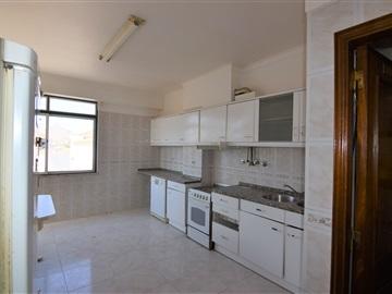 Apartment T4 / Amadora, Brandoa