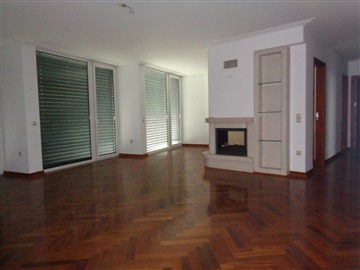 Apartment T4 / Castelo Branco, 3 Globos