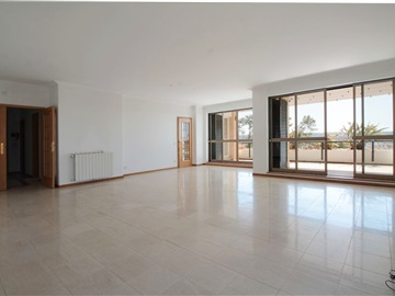 Apartment T4 / Coimbra, Solum