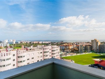 Apartment T5 / Lisboa, Olaias