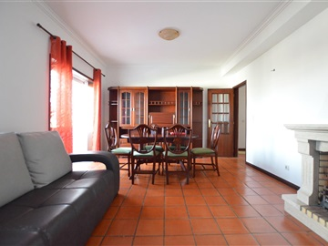 Appartement T3 / Oliveira do Bairro, Oiã