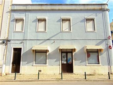 Building / Barreiro, Barreiro / Miguel Pais