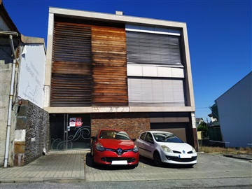Building / Fafe, Fafe