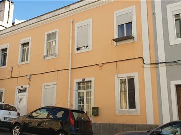 Building / Lisboa, Campo de Ourique