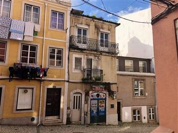 Building / Lisboa, Lapa - Infante Santo