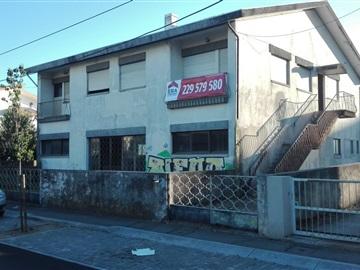 Building / Matosinhos, Custóias