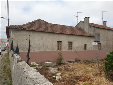 Casa / Aveiro, Aradas