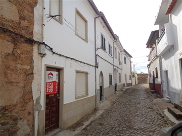 Casa T2 / Idanha-a-Nova, Alcafozes