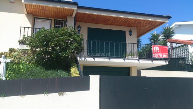 Casa T3 / Penafiel, Castelões