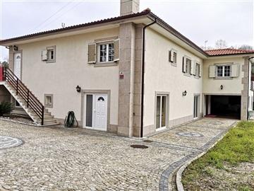 Casa T6 / Amarante, Jazente