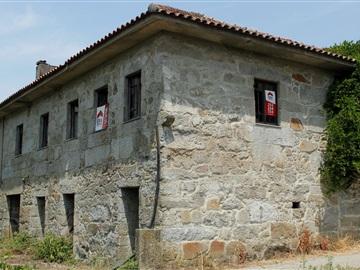 Detached house / Felgueiras, Airães
