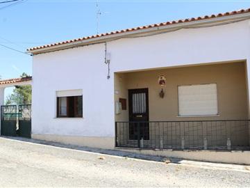 Detached house T4 / Castelo Branco, Cebolais de Cima