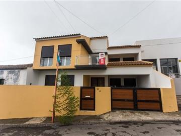 Detached house T4 / Ribeira Grande, Fenais da Ajuda