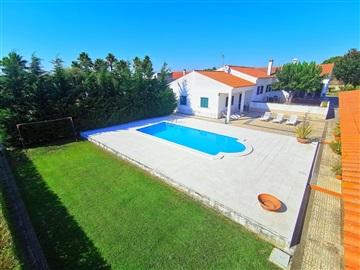 Detached house T4 / Salvaterra de Magos, Marinhais