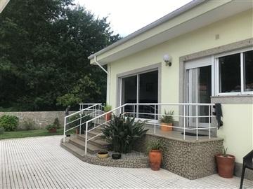 Detached house T4 / Vila Nova de Gaia, Sandim, Olival, Lever e Crestuma