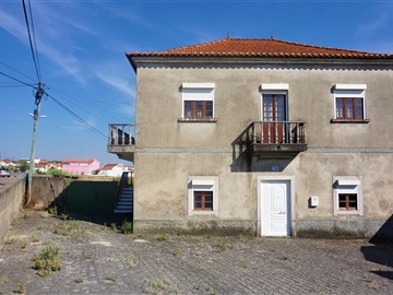 Detached house T5 / Lourinhã, Papagovas