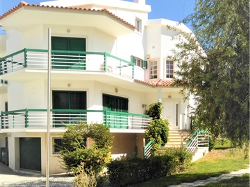 Detached house T5 / Seixal, Miratejo