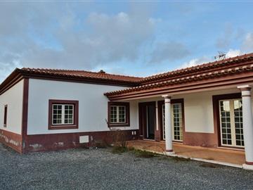 Detached house T7 / Salvaterra de Magos, Marinhais