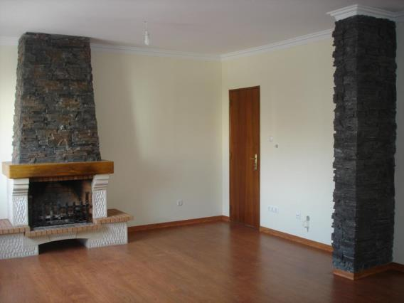 Duplex T5 / Seixal, Amora