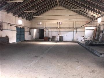 Entrepôt / Sobral de Monte Agraço, São Quintino