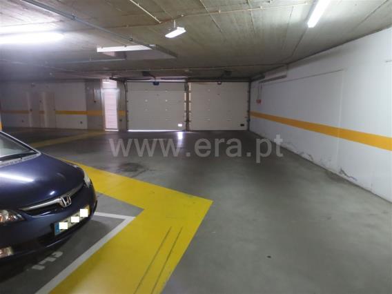 Garage / Lisboa, Parque das Nações - Expo Norte