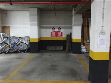 Garagem / Oeiras, Terrugem