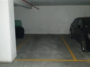 Garagem / Porto, Nevogilde