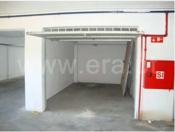 Garagem / Vila Franca de Xira, Vialonga