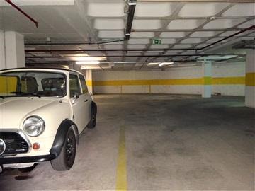 Garaje Estudio / Loures, Sacavém e Prior Velho