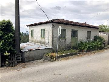 House / Barcelos, Carreira e Fonte Coberta