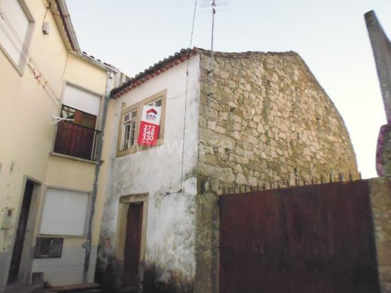 House / Castelo Branco, Alcains