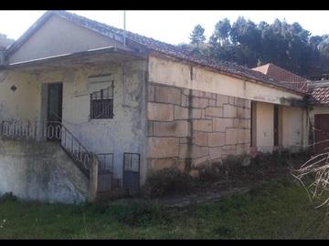 House T2 / Cinfães, Santiago de Piães